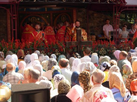День памяти святого великомученика и целителя Пантелеимона в нашем храме